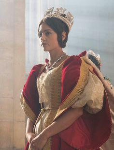 Jenna Who? as Queen Victoria, a dead person she looks nothing at all like.