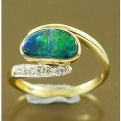 14ct yellow gold doublet opal ring