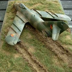 East German after a less successful landing Scale Models, Gundam Wallpapers, Model Hobbies, Model Maker, Military Modelling, Tiny World, Military Diorama, Kids Corner, Model Airplanes