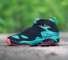 meet 8c9e8 3961d Best Sneakers  Nike Air Tech Challenge Huarache-Black-Turbo Green-Light  Crimson