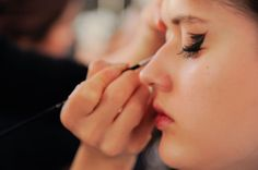 2017 Winter Beauty Trend : BEAUTY : Beauty World News - This 2017 beauty trend brought many new yet beautiful and standout look that many will love. Makeup artists in the winter fashion shows are using electric colors and lactide textures with fierce and confidence.