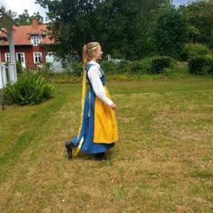 Min Sverigedräkt (utan band på förkläde)