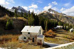 Gorgeous scenery on Red Mountain Pass near Ouray,Colorado.