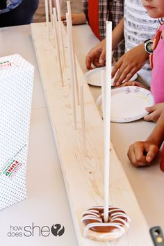 Having doughnuts at your party? EASY and Creative DIY Display! | How Does She