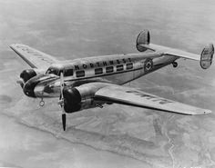 Lockheed 10 Electra - Gangsters need private aircraft to get from one city to another quickly.