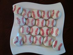 baseball cookies (white chocolate dipped oreo cookies)
