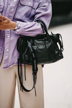 Discover recipes, home ideas, style inspiration and other ideas to try. Balenciaga Classic City Bag, Balenciaga City Bag, Couture Fashion, Fashion Bags, Fashion Fashion, Charles James, Lila Outfits, Flapper, Cloth Bags