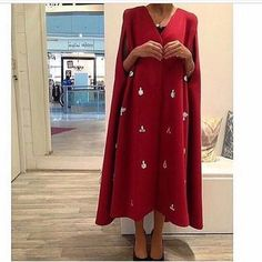 Cape we can make in red black baby pink navy blue color . This model only by order . Arab Fashion, Islamic Fashion, Muslim Fashion, Modest Fashion, Indian Fashion, Gold Fashion, Fashion Clothes, Mode Abaya, Mode Hijab