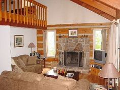 This quiet cabin is situated in a private gated community. Two King Size Beds and Two Futons gives you the ability to sleep a total of six. The are 3 TVs equipped with Satellite. A 6 person Hot Tub sits on the front balcony ...