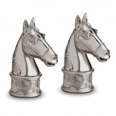 L'Objet Spice Jewels Horse Platinum 2 x Masterfully crafted by hand, L'OBJET uses gold or platinum plated metals to create salt and pepper shakers of distinction. Pair beautifully with L'OBJET Napkin Jewels. Horse Artwork, Bull Riding, Salt And Pepper Set, Equestrian Style, Salt Pepper Shakers, Beautiful Horses, Stuffed Peppers, Jewels, Gold