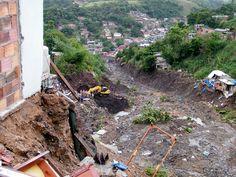 Río de Janeiro - 6 de abril de 2010. Los deslizamientos de tierra ocurridos tras 300 derrumbes en los cerros de Río de Janeiro y municipios vecinos, después de un aguacero de 24 horas, dejan al menos 249 muertos. | Fuente: Privada | Wikimedia - Vladimir Platonow/ABr