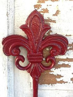 Fleur de Lis Distressed and Shabby Chic Garden by CamillaCotton,   A GIVEAWAY!!! http://camillacotton.blogspot.com/