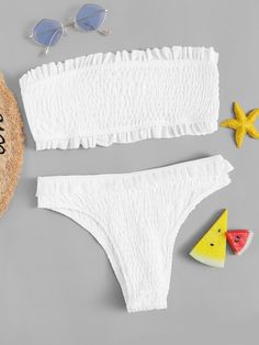 To find out about the Frill Trim Smocked Bandeau Bikini Set at SHEIN, part of our latest Bikinis ready to shop online today! Bathing Suits For Teens, Summer Bathing Suits, Cute Bathing Suits, Cute Bikinis, Cute Swimsuits, Summer Bikinis, Tween Swimsuits, Bandeau Bikini Set, Bikini Swimwear