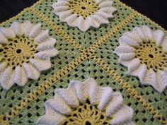 Springtime Baby Blanket: I can see this with the green, but instead of yellow and white a maroon/red and a gold.
