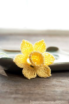Daffodil bookmark hand-crocheted by Johanna of Joyous Treasures (find her on Etsy). I love how the daffodil peeks out of the book when it is used as a bookmark. She makes other types of flowers as well that are truly tiny works of art! Crochet Wool, Crochet Buttons, Hand Crochet, Daffodil Flower, My Flower, Cactus Flower, Kawaii Crochet, Crochet Bookmarks, Irish Lace