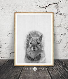 I N S T A N T - D O W N L O A D - 9 1  Bonjour, nous sommes Lila et Lola, créateurs de l'art mural imprimable. Inspiré par les tendances actuelles de design d'intérieur et notre maison dans les montagnes, notre travail est contemporain avec une touche terreuse.  Printable art est le moyen facile et abordable pour personnaliser votre maison ou bureau. Vous pouvez imprimer chez vous, à votre magasin local d'impression, ou télécharger les fichiers à un service d'impression en ligne et aient…