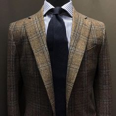 The final days of flannel and tweed is soon! This Brown & Navy Check Sport Coat is available for made-to-order commissions. The cloth is by Ariston and is made of 100% virgin wool. Click the link in the bio to purchase.