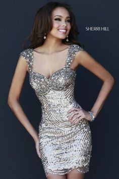 Shop prom dresses and long gowns for prom at Simply Dresses. Floor-length evening dresses, prom gowns, short prom dresses, and long formal dresses for prom. Short Gold Prom Dresses, Short Silver Dress, Sherri Hill Prom Dresses Short, Cute Prom Dresses, Long Prom Gowns, Homecoming Dresses, Nice Dresses, Dinner Gowns, Evening Dresses