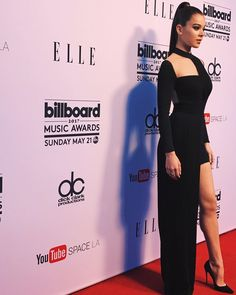 "Hailee Steinfeld - Billboard Music Awards ""Women in Music"" Event awards, Hailee Steinfeld Hailee Steinfeld, Celebrity Red Carpet, Celebrity Style, Celebrity Women, Women In Music, Inspirational Celebrities, Billboard Music, Red Carpet Looks, Beautiful Celebrities"