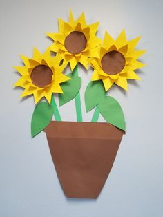 Summer sunflower display for classroom. Using construction paper.