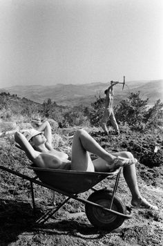 Letizia Battaglia photos | Sicily | Italy #photography #art #blackandwhite