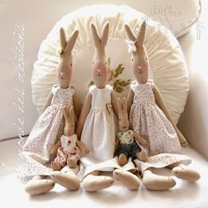 Le monde des créations Maileg Bunny, Hunny Bunny, Sewing Toys, Fairy Dolls, Soft Dolls, Easter Crafts, Doll Toys, Sewing Projects, Creations