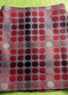 Kupuj mé předměty na #vinted http://www.vinted.cz/damske-obleceni/sukne-do-a/18624778-zimni-vlnena-ackova-sukne-s-puntiky-marks-spencer-woman-36-38