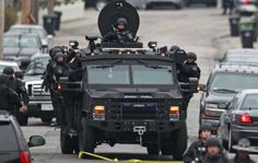 Over 9,000 police forces are looking bomber in Boston - News - Bubblews