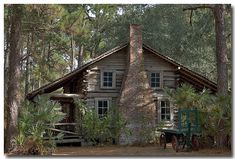 I love this log cabin!!!!