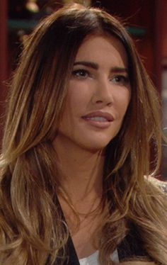 April 2015 - Actress Jacqueline MacInnes Wood as Steffy Forrester will be returning to Bold & the Beautiful for a longer period of time, other than her last visit to the CBS daytime soap opera. Cabello Color Magenta, Magenta Hair Colors, Beautiful Red Hair, Bold And The Beautiful, Trending Hairstyles, Celebrity Hairstyles, Rihanna Short Hair, Jacqueline Macinnes Wood, Hair Looks