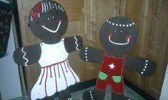 Wood gingerbread people