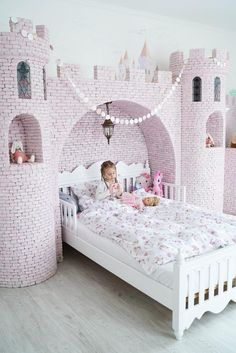 47 Affordable Kids Bedroom Design Ideas - Your kid is a special human being to you and therefore you should ensure that your kids bedroom designs are also that much special. We all adore our k. Baby Bedroom, Girls Bedroom, Bedroom Decor, Girls Twin Bed, Bedroom Ideas, Bedding Decor, Bedroom Furniture, Fairytale Bedroom, Magical Bedroom