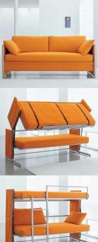 Une banquette qui ne se transforme pas en simple lit mais carrément en double lit suspendu avec échelle !! Cest LE clic clac ultime !