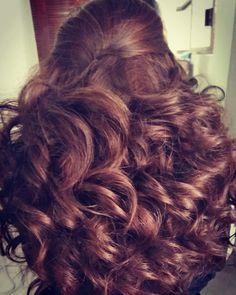 Peinado para Quinceañera, XV años, Novias, Brides, Rizos, ondas con volumen.   Por DaliMulChic.
