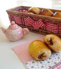 pains-au-chocolat-brioches.