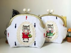 Cute Cat Women's Purse Embroidery Fish Lovely Cartoon Wallet White Color 2 Style with Cream Beads