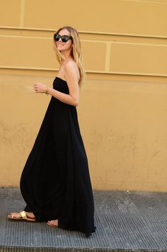 Black maxi - the maxi dress cuts off at the perfect length for sandals! #summer #black