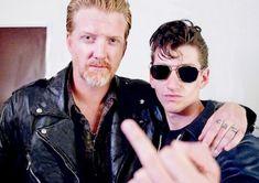 >Alex Turner & Josh Homme< Arctic Monkeys & Queens of the Stone Age Alex Turner, Josh Homme, Music Is Life, My Music, Music Stuff, Indie Music, Arctic Monkeys, Pearl Jam, My Favorite Music