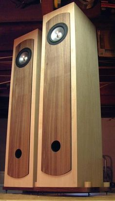 DIY Loudspeaker using Jordan fullrange driver in a vented tower enclosure. Open Baffle Speakers, Tower Speakers, Hifi Speakers, Built In Speakers, Diy Bookshelf Speakers, Speaker Plans, Sound Speaker, Speaker Design, Audiophile