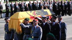 Staatsakt für Walter Scheel: Der Sarg des Altbundespräsidenten Walter Scheel bei…