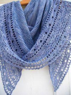 Muscari shawl crochet 114 http://fantaisiesdeflo.canalblog.com/archives/2014/04/16/29677675.html#utm_medium=email&utm_source=notification&utm_campaign=fantaisiesdeflo