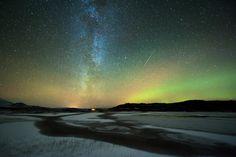 Tommy Eliassen Reflection - Nikon D700, 14-24mm, Iso 1600, 26 sec, f/3.5 (Aldersundet, Nordland, Norvège)
