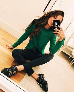 "11.4 mil Me gusta, 75 comentarios - Arielle Noa Charnas (@somethingnavy) en Instagram: ""Bright spring sweaters """