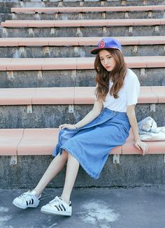 Back to school chic outfits Korea Fashion, Asian Fashion, Fashion Photo, Girl Fashion, Fashion Looks, Fashion Outfits, Womens Fashion, Fashion Trends, Style Indie