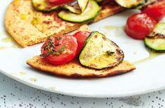 Socca mit gegrillten Zucchini - Schrot und Korn - Das Kundenmagazin für den Naturkosthandel