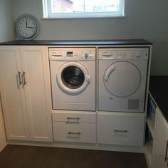 Fotoalbum - Wasmachinekast (op maat) Laundry Room Storage, Laundry Room Design, Laundry In Bathroom, Amsterdam Houses, Laundry Pedestal, Garage Remodel, Laundry Hacks, Small Room Bedroom, Floor Design
