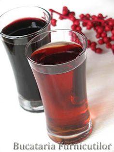 Bucataria Furnicutilor: Afinata si Zmeurata Moscow Mule Mugs, Red Wine, Shot Glass, Alcoholic Drinks, Tableware, Blog, Dinnerware, Tablewares, Liquor Drinks
