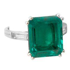 BOUCHERON Fine Colombian Emerald Ring