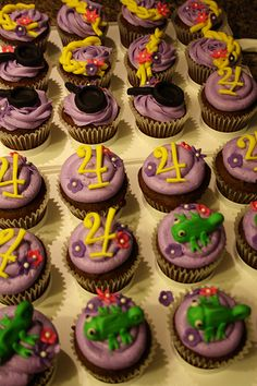 Tangled cupcakes Rapunzel Birthday Party, Tangled Party, 3rd Birthday Parties, Birthday Cupcakes, 4th Birthday, Birthday Ideas, Rapunzel Cupcakes, Bolo Rapunzel, Disney Princess Cupcakes