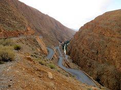 """#morocco """"Marokko - Eine Nacht in der Wüste"""". Lies mehr über die Dades-Schlucht auf www.goodmorningworld.de"""